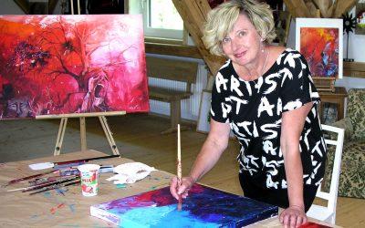 Anita Niemann im Atelier